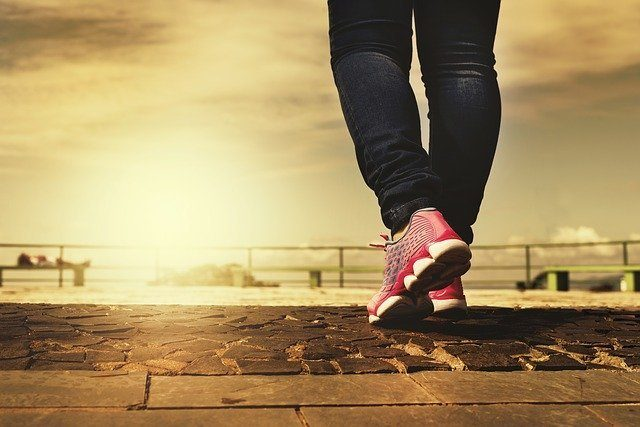 15-Minutes Of Walking Drastically Change Your Body